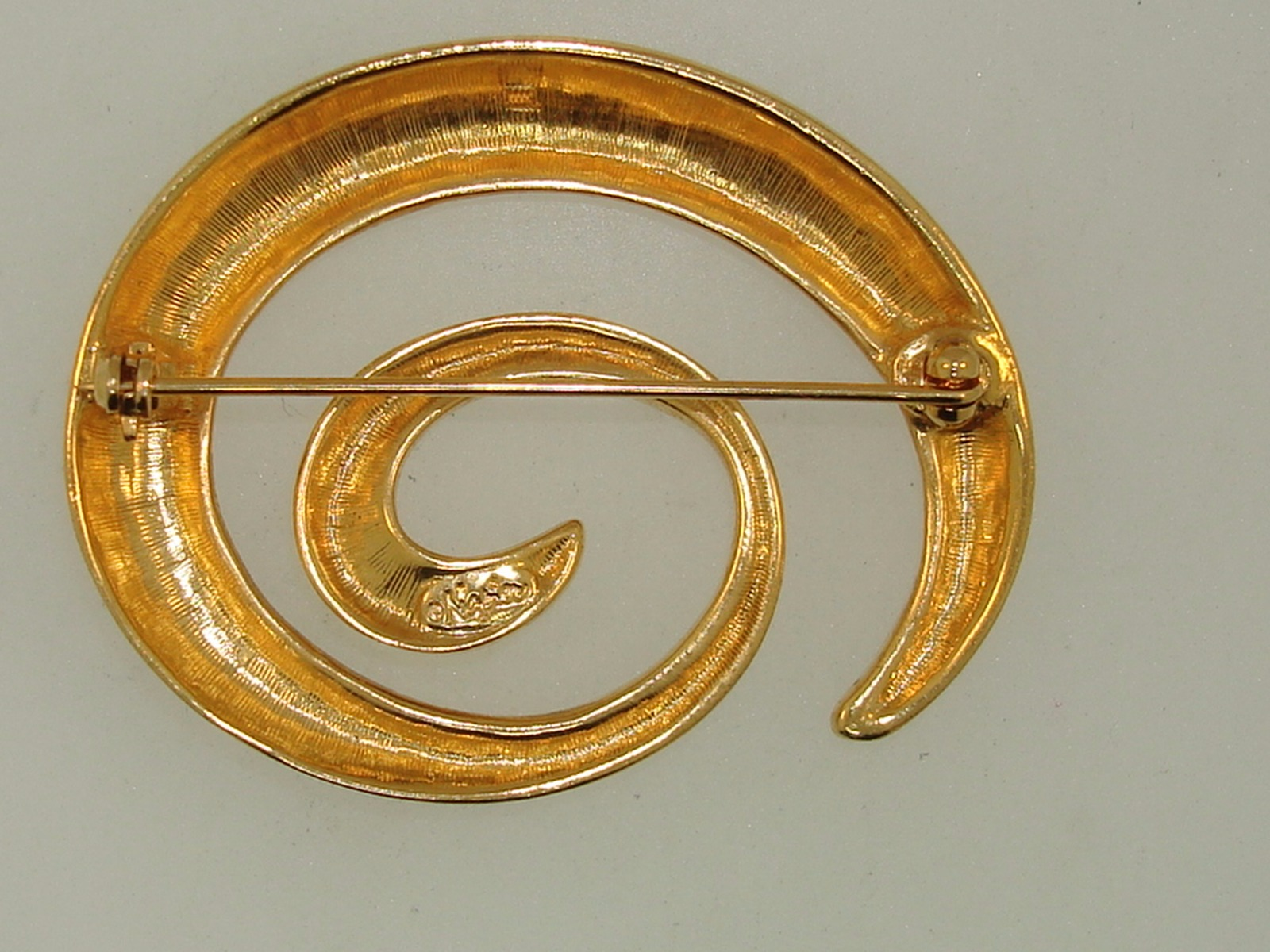 VINTAGE NAPIER GOLD SWIRL PIN/BROOCH! - Federal Coin Exchange