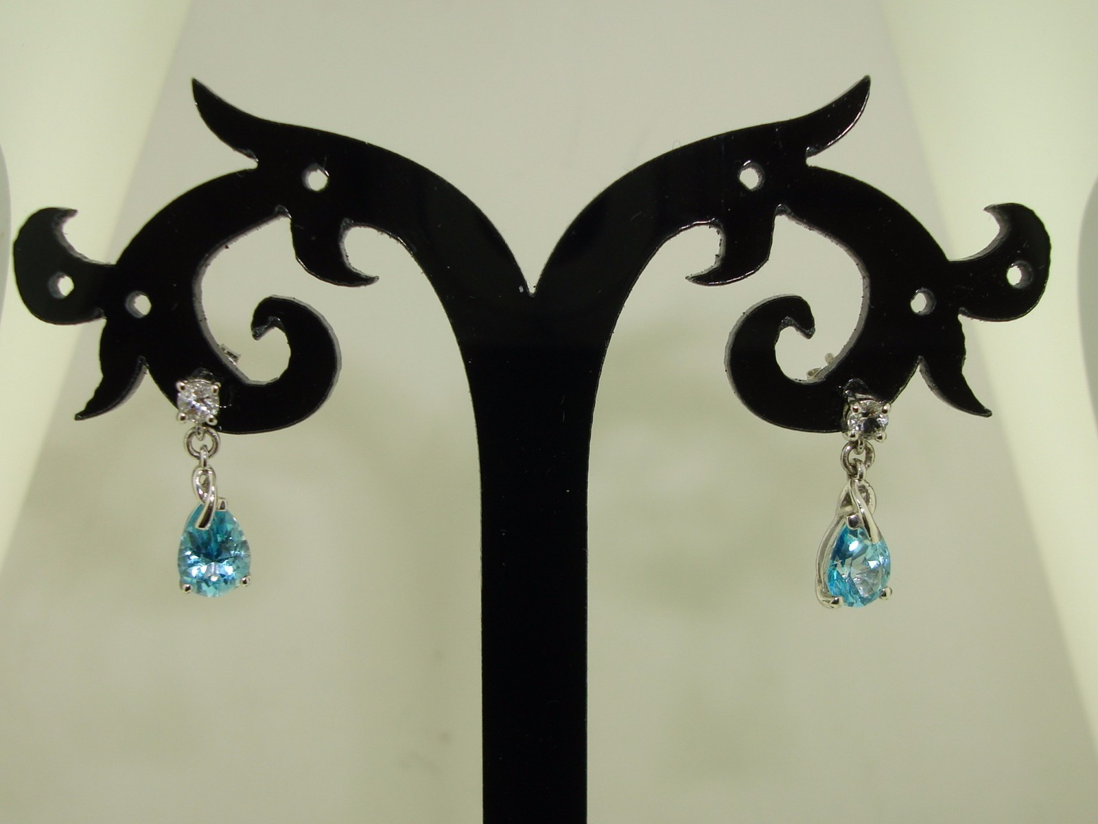 New In O B Kay Jewelers 10k White Gold Approx 1 Ctw Topaz Earrings Federal Coin Exchange